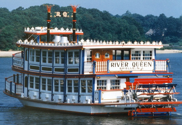 River Belle and River Queen Cruises